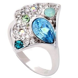 Gorgeous Austrian crystal abstract shape ring